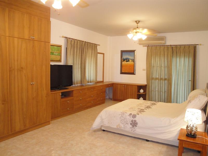 4 bedrooms house for rent in jomtien