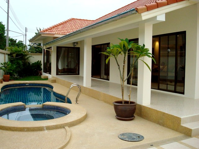 3 bedrooms house for rent in jomtien